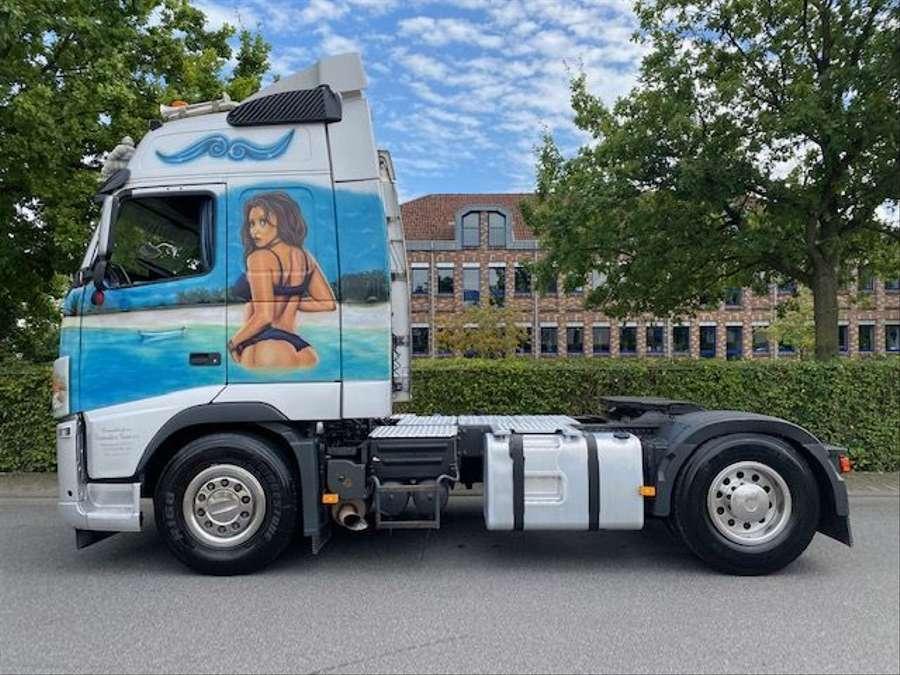 Volvo - 4X2 / Blatt-Luft / Euro 5 24