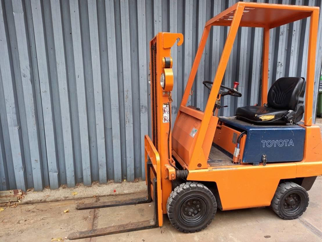 vorkheftruck MINI Heftruck TOYOTA 2FBL9 Compact 900 KG
