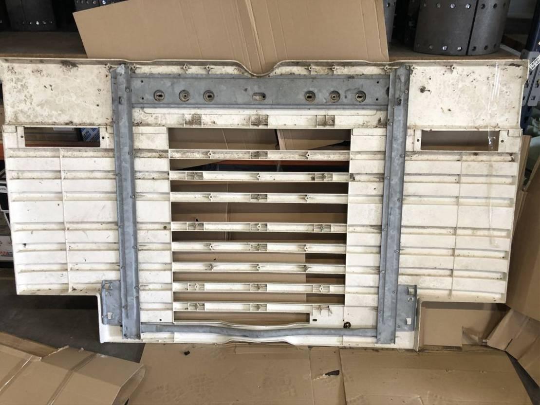 cabine - cabinedeel vrachtwagen onderdeel Scania 2 / 3 serie grille
