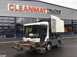 Veegmachine vrachtwagen Ravo 540 CD Euro 5 with 3-rd brush 2014