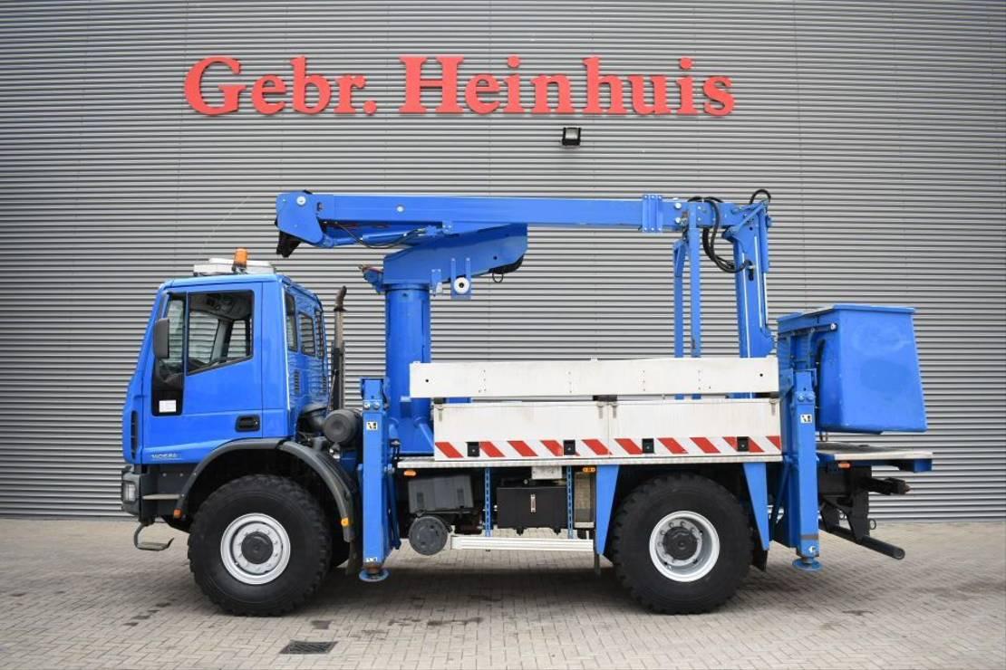 autohoogwerker vrachtwagen Iveco EuroCargo 140 E24 4x4 Versalift VST 244 NF 2007
