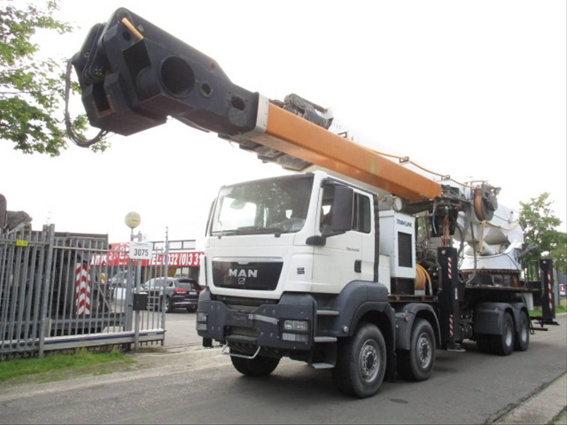 autohoogwerker vrachtwagen MAN 41.430 8X8 2011