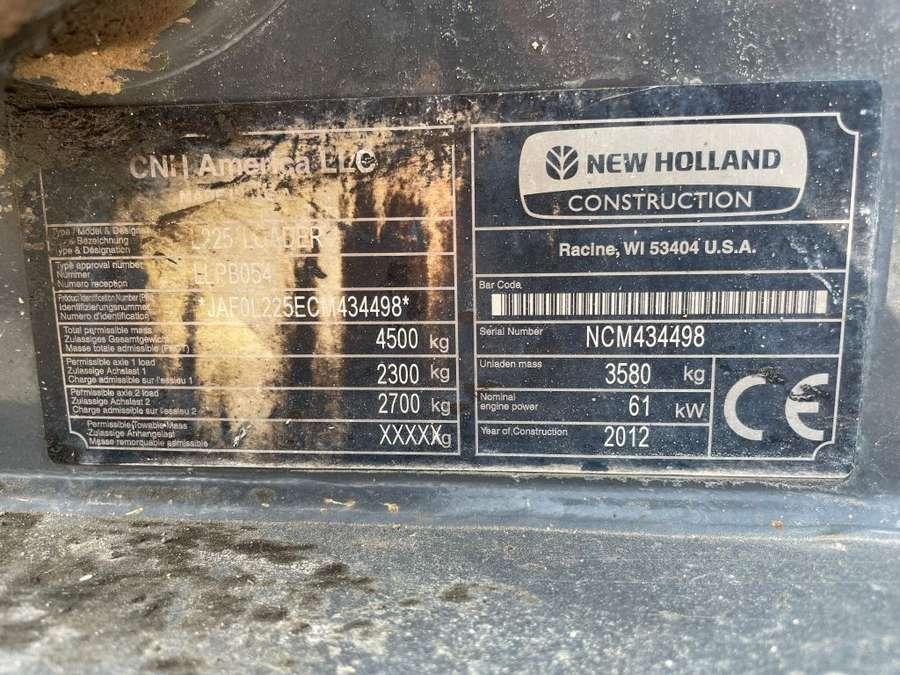 New Holland - L225 11