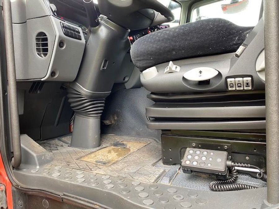 Mercedes-Benz - 6X2 Lenk + Liftachse / Euro 5 14
