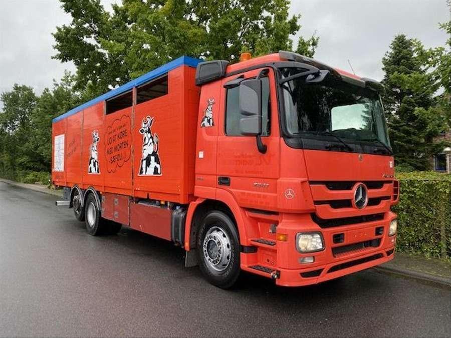 Mercedes-Benz - 6X2 Lenk + Liftachse / Euro 5 2