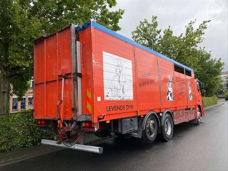 Mercedes-Benz - 6X2 Lenk + Liftachse / Euro 5 3