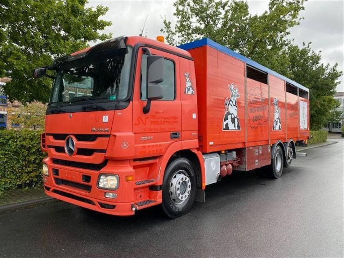 paardenvrachtwagen Mercedes-Benz Actros 2541 6X2 Lenk + Liftachse / Euro 5 2014