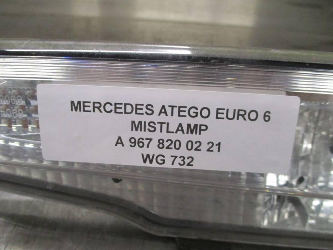 Mistlamp vrachtwagen onderdeel Mercedes-Benz A 967 820 02 21 MISTLAMP EURO 6