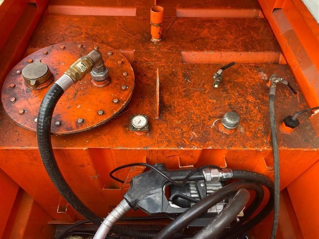 IBC-intermediate bulk container Tolsma 1000 liter Kiwa IBC dieseltank met elektrische 230V pomp en keuring 2006