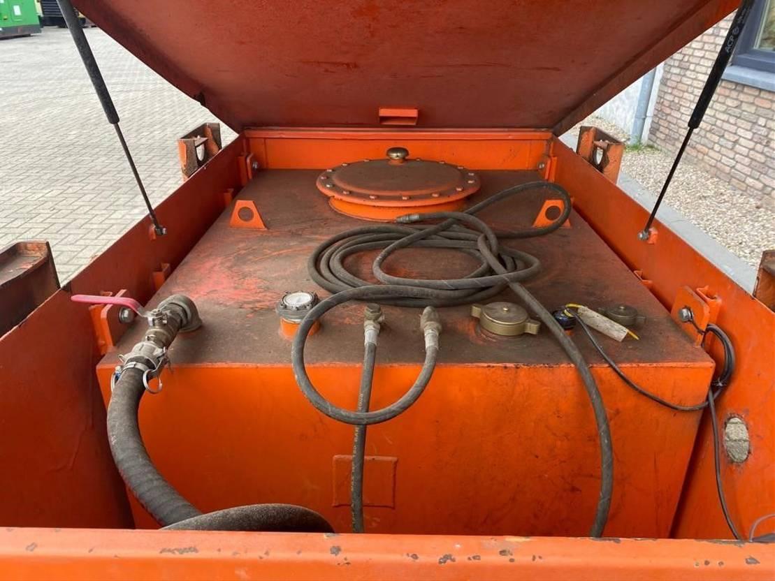 IBC-intermediate bulk container Diversen 1000 liter Kiwa IBC dieseltank met elektrische 230V pomp met keuring 2009