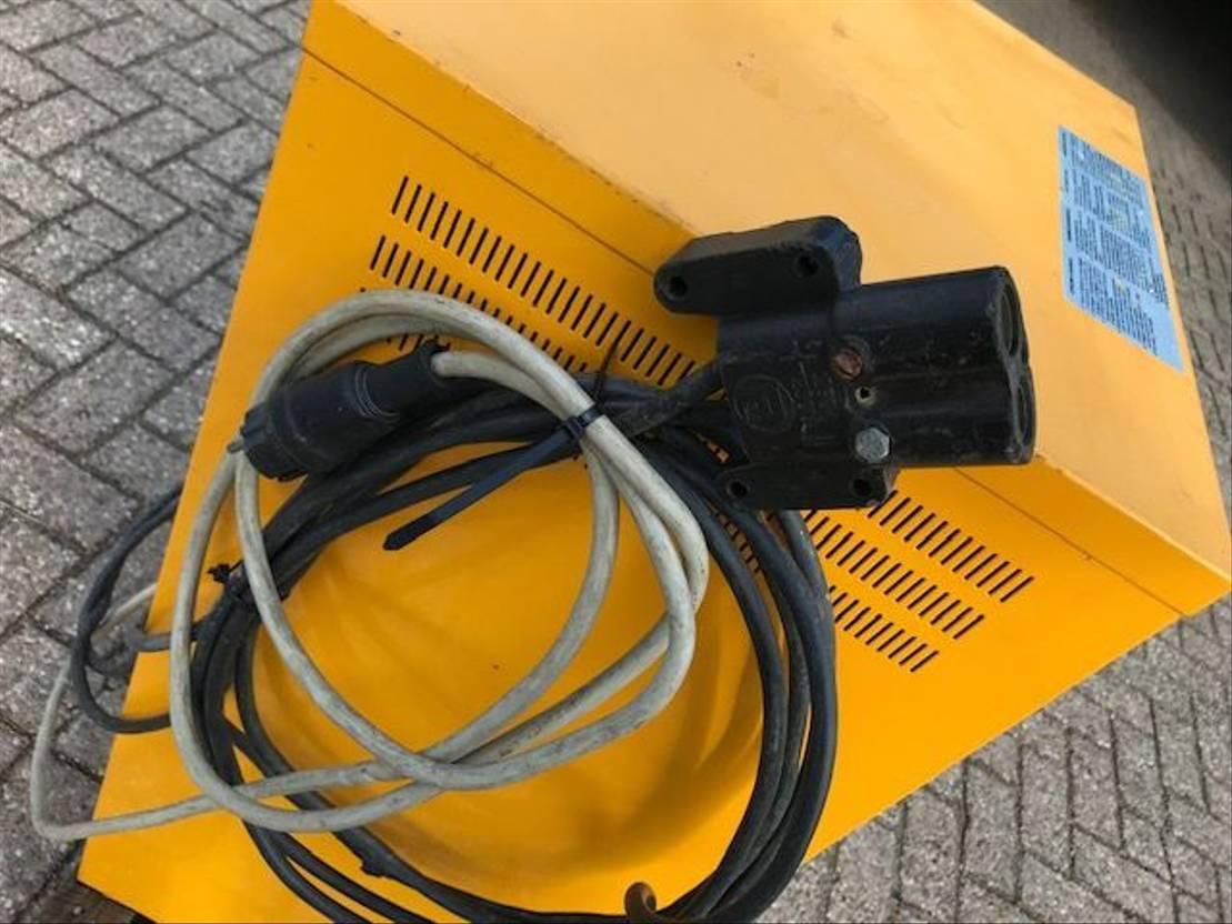 overig onderdeel Diversen Heftruck Acculader 220 volt