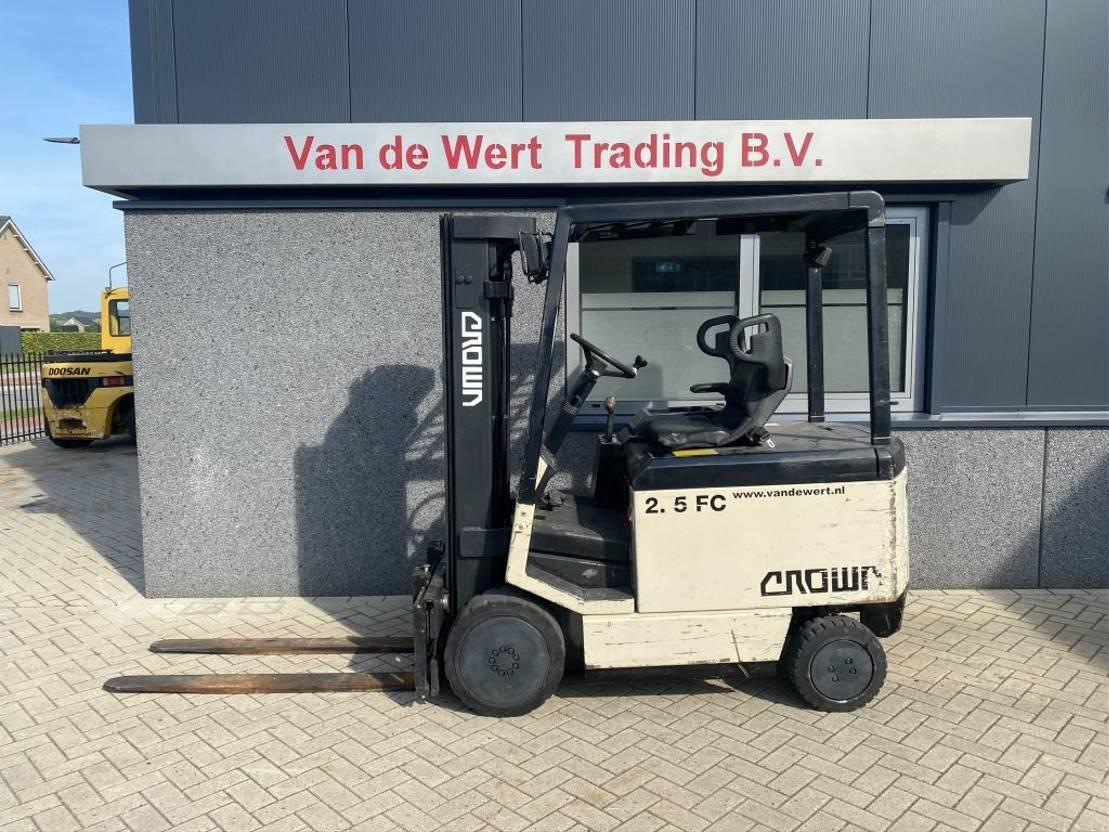 vorkheftruck Crown heftruck CROWN 2.5 FC triplo475 freelift/sideshift 1991 1991