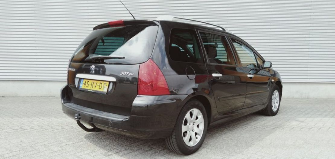 stationwagen Peugeot SW 1.6 HDiF Pack Airco 7-PERSONS 2005