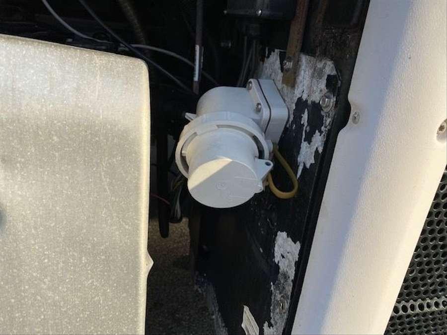 Mercedes-Benz - BigSpace/Rohrbahn/Kühlaggregat defekt!!!! 22