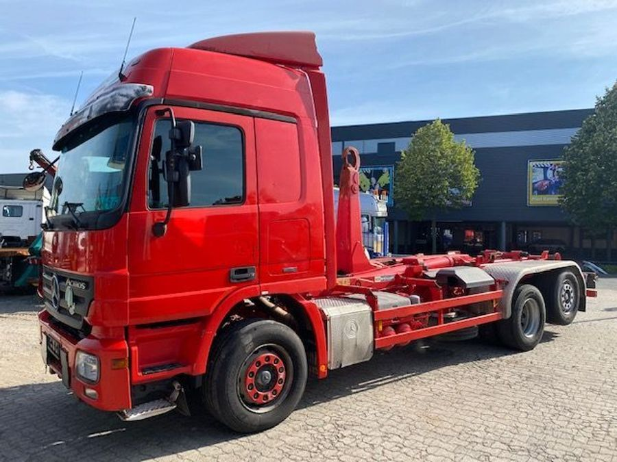 Mercedes-Benz - Actros 2544 2544 Actros 6x2 Hooksystem 1