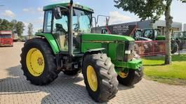 standaard tractor landbouw John Deere 7400 !! PQ 1996