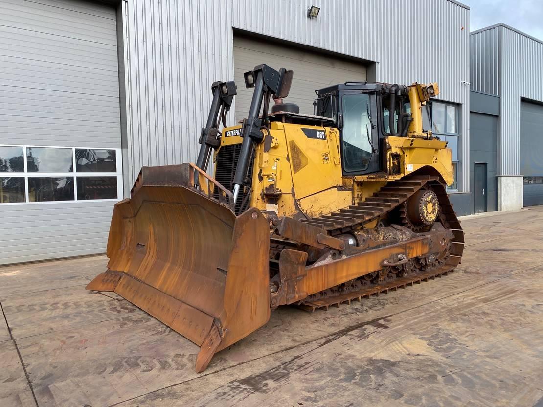 rupsdozer Caterpillar D8T with winch 2014