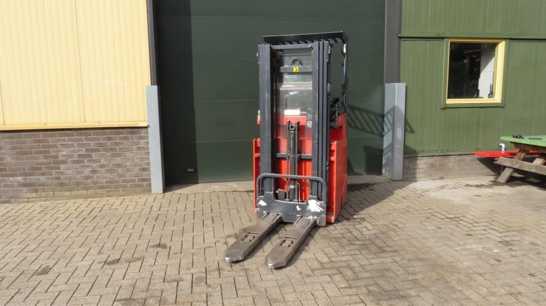 vorkheftruck Linde l12r zit stapelaar elektrische met 3 delige mast 2012