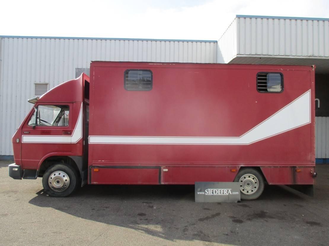 bakwagen vrachtwagen MAN 9.150 , horse truck , manual , spring suspension 1992