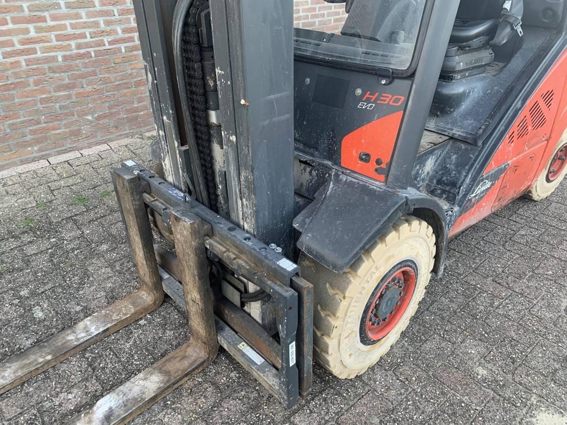 vorkheftruck Linde H30t-02 EVO heftruck