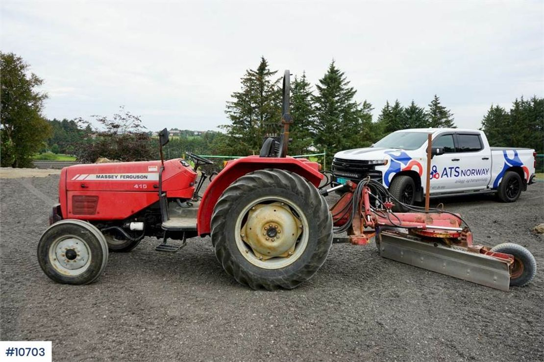 standaard tractor landbouw Massey Ferguson MF410 Tractor with many hydr outlets. Few hours. W 2007