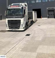 containersysteem vrachtwagen Volvo FH 540 8x4 hook lift with box 2013