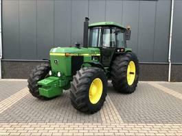 standaard tractor landbouw John Deere 4240 S 1981
