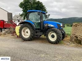 standaard tractor landbouw New Holland TS125A 2004