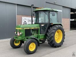 standaard tractor landbouw John Deere 2040 S