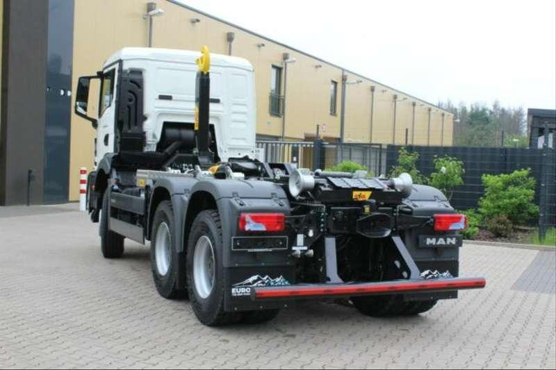 MAN - 33.430 6x6 Euro6d Abrollkipper Hyva 13