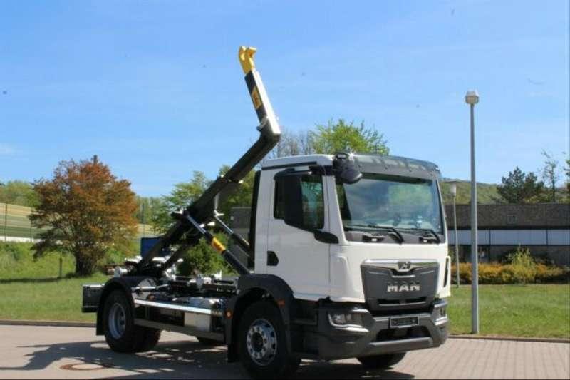 MAN - 4x2 / Euro 6d HYVA Abroller 3
