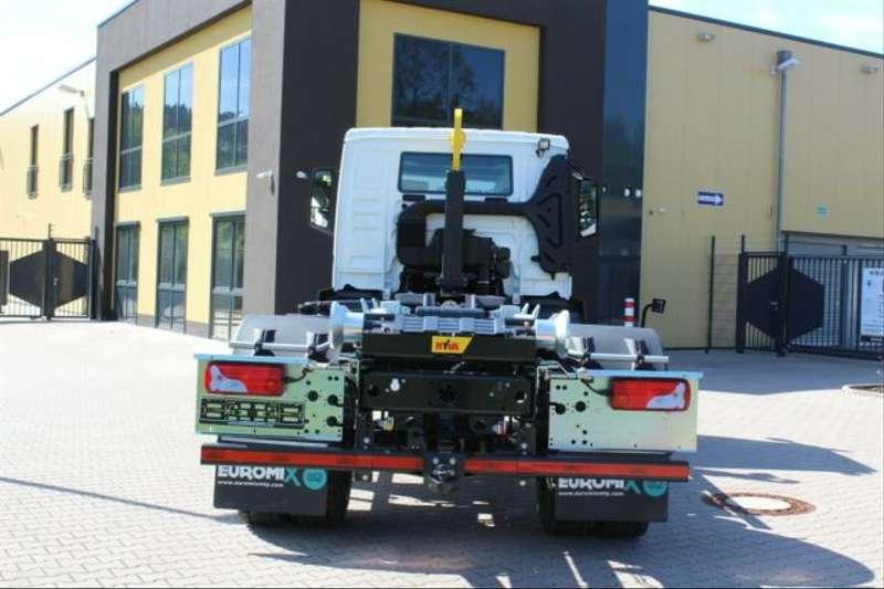 MAN - 4x2 / Euro 6d HYVA Abroller 15