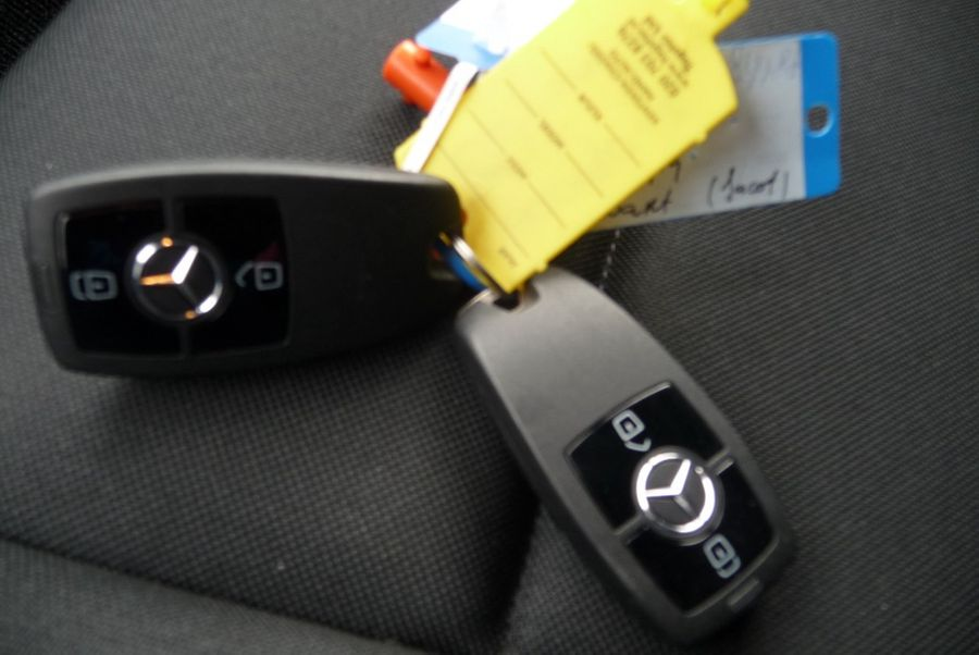 Mercedes-Benz - Sprinter 311 CDI bak en laadklep 23