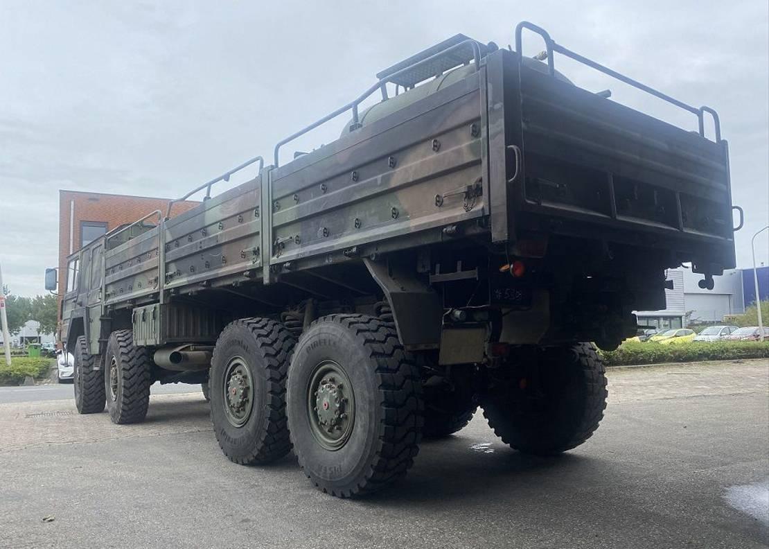 leger vrachtwagen MAN Kat 1 8x8