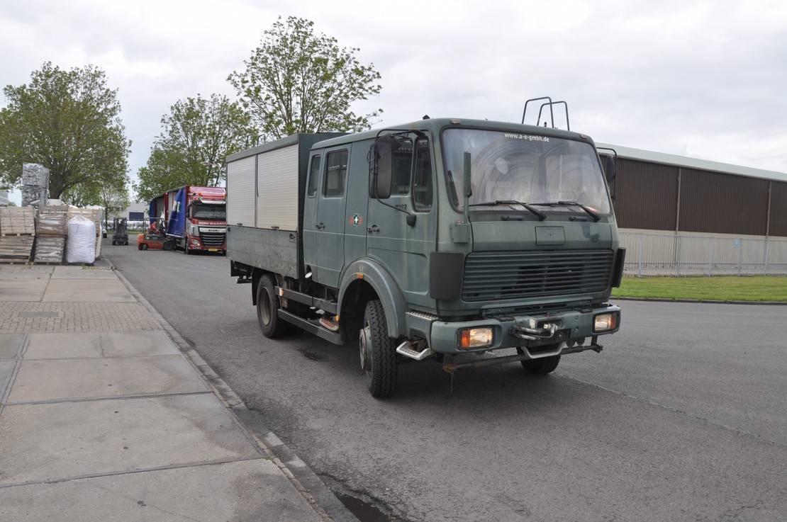 leger vrachtwagen Mercedes-Benz 1017 AF 4X4 1986