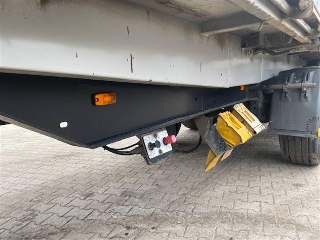 driezijdige kipper vrachtwagen aanhanger Kempf HKD 24 3 Zijdige Kipper 2004