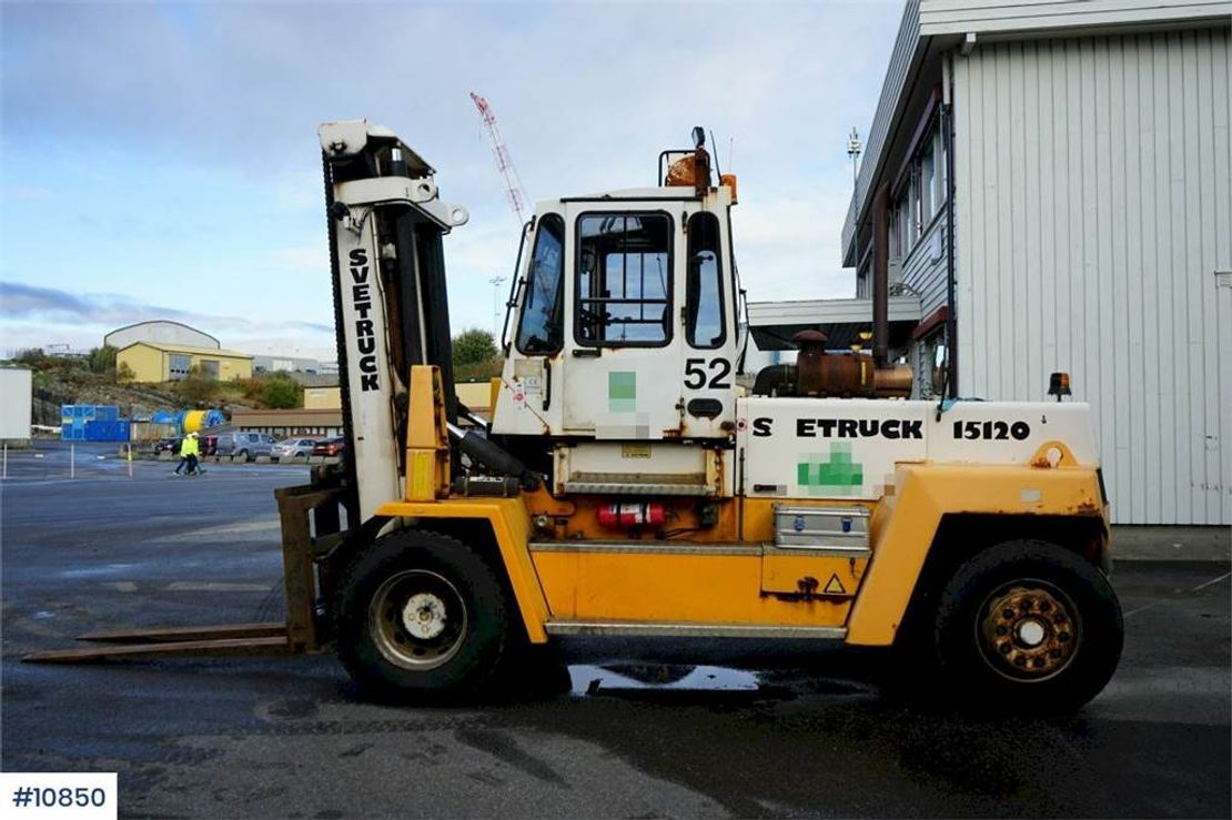 vorkheftruck Svetruck 15 120-35 Truck with good tires and central grease 2002