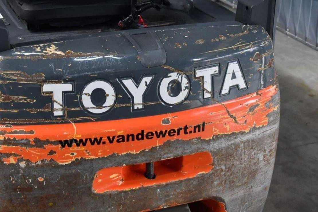 vorkheftruck Toyota 8FBET16 2012