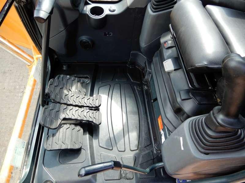 Hyundai - 235 LCR 20