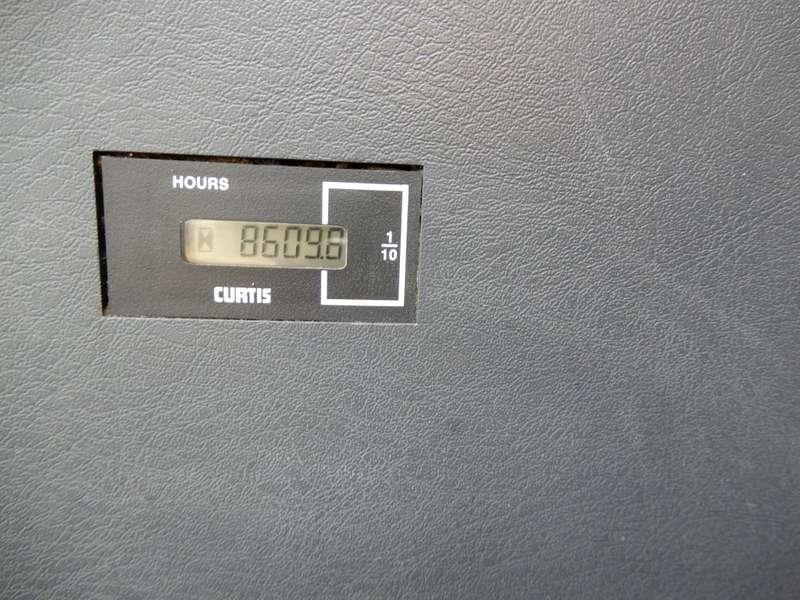 Hyundai - 235 LCR 18