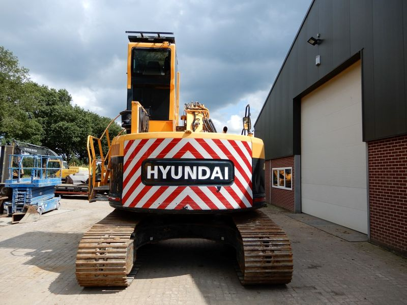 Hyundai - 235 LCR 3