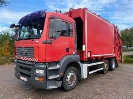 vuilniswagen vrachtwagen MAN TGA 26 6X2 EURO 3 / MANUAL GEARBOX 2005