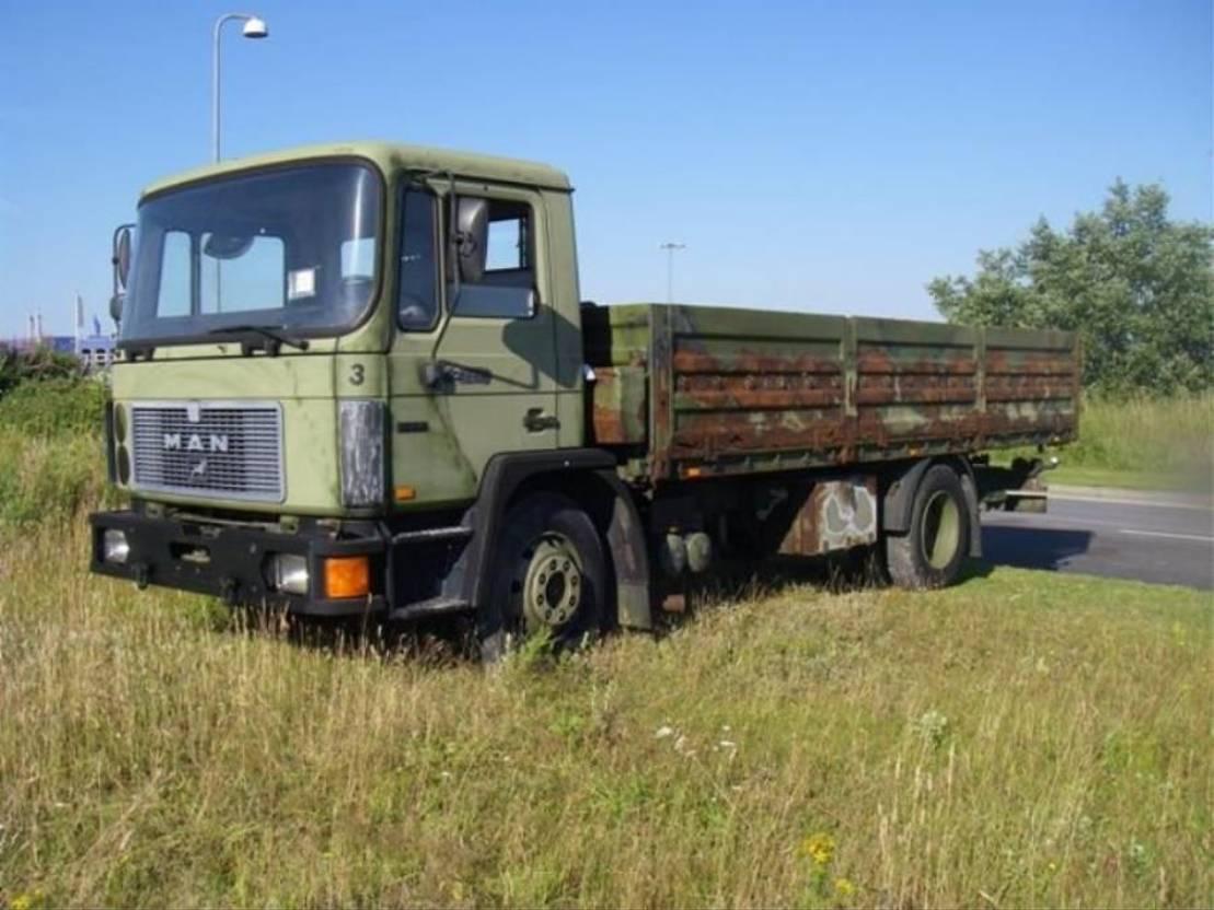 leger vrachtwagen MAN 13-192 F IC 4X2 (EX-ARMY) 1991