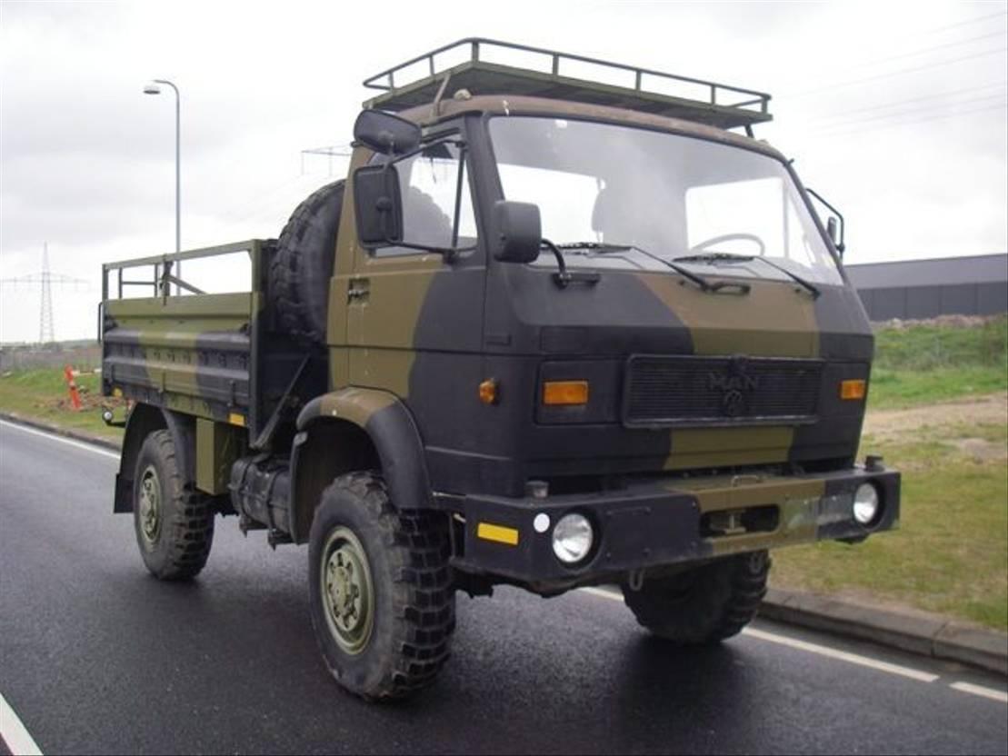 leger vrachtwagen MAN 8-136 FAE 4X4 (EX-ARMY) 1987